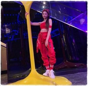 NiziU(ニジュー)マユカの身長はいくつ?スタイルいいし、足長いよね!